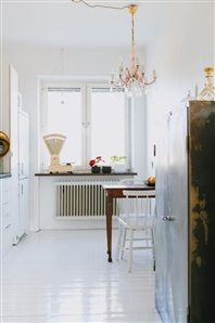 Sitting in Campania, I kept eyeing up their open-plan, rustic, no-fuss kitchen with wonderful vintage tiles and a simple butler sink. Condo Design, Apartment Design, House Design, Kitchen Interior, Interior And Exterior, Interior Design, Interior Ideas, Minimal Bedroom, White Apartment
