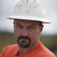 Dave Turin is a rock-moving expert featured on Discovery Channel's Gold Rush Alaska. Learn more about Dave Turin from Gold Rush Alaska. Best Tv Shows, Favorite Tv Shows, Favorite Things, Parker Schnabel, Pawn Stars, Deadliest Catch, Discovery Channel, Gold Rush, Diamonds