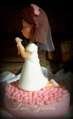 Centro para torta en porcelana fria para comunion