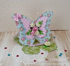 Butterfly Easel Card - First Edition Pretty Posy by design team member Lyndsey