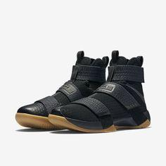 4b5c31e376 Nike Zoom LeBron Soldier 10 SFG Men's Basketball Shoe. Nike.com UK Nike  Kosarascipők
