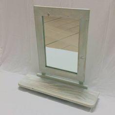 Guarda questo articolo nel mio negozio Etsy https://www.etsy.com/it/listing/460669570/specchio-da-parete-con-mensola
