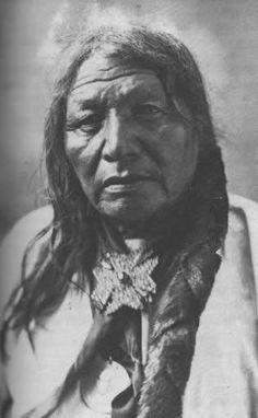 Cetan Maza (aka Iron Hawk) - Hunkpapa - circa 1905