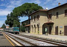 664 1135 FS Italian State Railways 664 at Certaldo, Italy by GERMAN RAIL