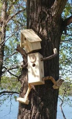 Fuglebrett og fuglekasse – Vogelhaus Bauen – Water – Rebel Without Applause Garden Crafts, Garden Projects, Wood Projects, Garden Ideas, Diy Garden, Garden Box Plans, Garden Boxes, Bird House Feeder, Bird Feeders