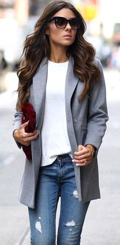 casual style addict / blazer + white top + bag + rips