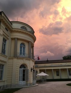 Karolyi Kastély, Hungary #sky #sunset #hotel #culture #foundation #travel Hungary, Foundation, Sky, Culture, Sunset, Mansions, House Styles, Building, Places
