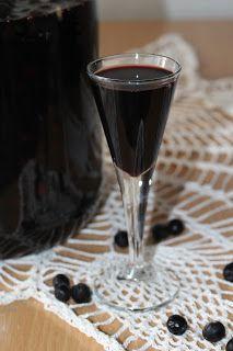 Red Wine, Alcoholic Drinks, Food, Pantry, Pantry Room, Butler Pantry, Essen, Larder Storage, Liquor Drinks