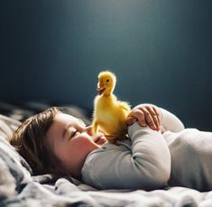 [New] The 10 Best Home Decor (with Pictures) - Copii sunt cea mai mare fericire Animals For Kids, Cute Baby Animals, Animals And Pets, Beautiful Children, Beautiful Babies, Cute Kids Photography, Kids Around The World, Baby Ducks, Belle Photo
