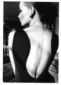 Model Astrid Heeren in Palm Beach, 1964. Photo: Jeanloup Sieff for Harper's Bazaar.