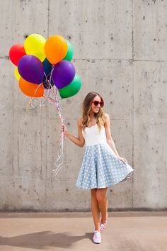 Wedding Week: UP! Engagement - Part 2 - Twenties Girl Style Fashion Poses, Girl Fashion, Creative Photography, Photography Poses, Red Birthday Cakes, Cute Birthday Pictures, Balloon Pictures, Stylish Photo Pose, Wedding Week
