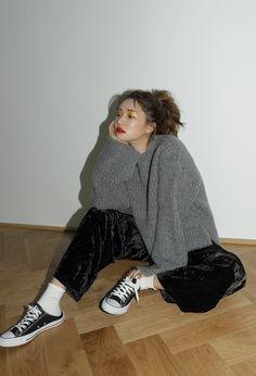 Slit Sleeve Dip Hem Sweater   STYLENANDA