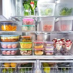 Weekend fridge 👍 lots of entertaining and pre prepared meals. Love the Décor Australia containers, perfect for prep and left overs 🤩 Fridge Organisers, Fridge Storage, Refrigerator Organization, Kitchen Storage, Organize Fridge, Craft Closet Organization, Home Organisation, Pre Prepared Meals, Ideas Hogar