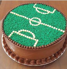 Birthday cake boys football party ideas 33 new ideas Cake Designs For Boy, Simple Cake Designs, Soccer Birthday Cakes, Soccer Cake, Sweet 16 Cakes, Cute Cakes, Cake Decorating Techniques, Cake Decorating Tips, Football Cakes For Boys