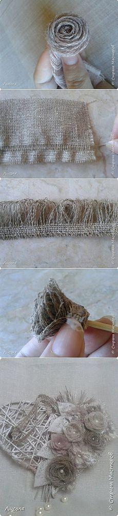 La arpillera, el yute, la nota y el encaje. Burlap Projects, Burlap Crafts, Fabric Crafts, Burlap Flowers, Lace Flowers, Felt Flowers, Cloth Flowers, Fabric Flowers, Diy Fleur