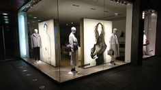 Valo on korvannut paperin! #euroshop #jill sander #window display #fashion #visual merchandise