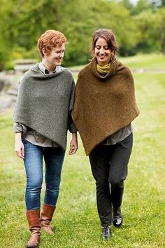 Ravelry: Easy Folded Poncho pattern by Churchmouse Yarns and Teas by ingrid