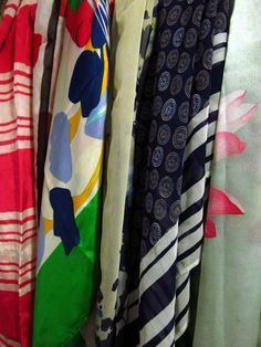 Wardrobe-Closet-Mochimac-Clothes-Scarves-Silk