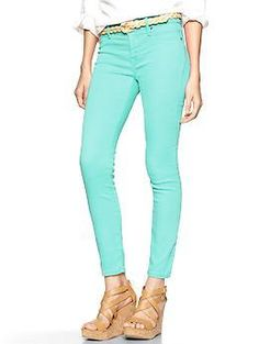 Such a cute cropped jegging!!! Love the color