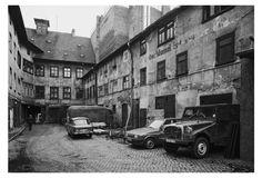Bröckelnde Fassade: Ein Hinterhof an der Marktstraße in Erfurt, aufgenommen…