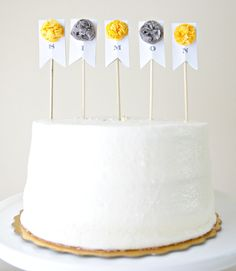 Cake banner. I'm really into these right now. Gi will have one on her cake!