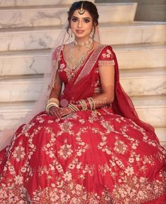 Bridal Hairstyle Indian Wedding, Indian Wedding Bride, Indian Bridal Outfits, Indian Designer Outfits, Bridal Dresses, Wedding Outfits, Wedding Wear, Wedding Jewelry, Bridal Makeup Looks