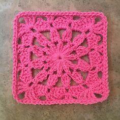 Ana Maria Square  ~ free pattern ᛡ