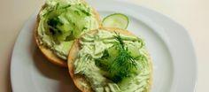 Komkommer kaasspread, simpel lekkers op brood {Gemaakt. Lekker fris/pittig.}