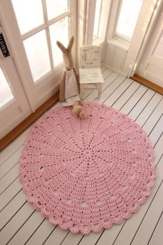 Virkattu matto 120cm Crochet Cozy, Crochet Rugs, Crafts To Make, Crochet Projects, Projects To Try, Kids Rugs, Knitting, How To Make, Crochet Baskets