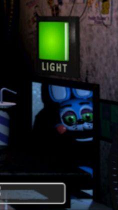 Toy Bonnie à tellement une tête de fourbe fans les conduits d'aération