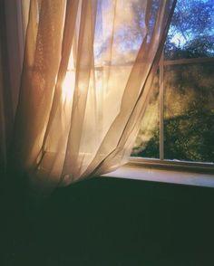When the sun shines through the window ☀️