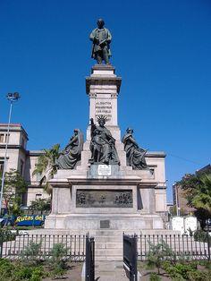 Monumento a Vélez Sársfield, Córdoba, Argentina by pablodf, via Flickr