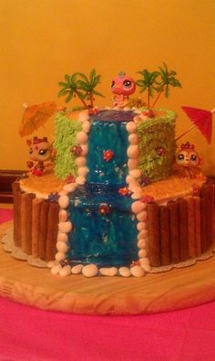 Littlest Pet Shop luau cake