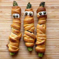 Crescent mummy asparagus for #Halloween