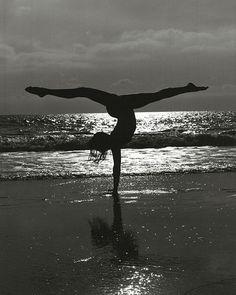 silhouette beach pic