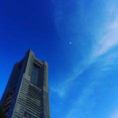 summer evening sky & small moon べろ藍再び  #blue #summer #skyblue #evening #yokohama #japan #moon by yarun10137