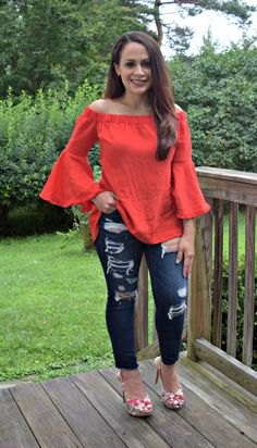 ripped jeans and off the shoulder summer look