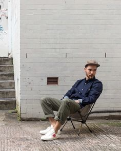Creating the Men Minimalist Fashion Wardrobe Norse Projects, Pantone, Look Fashion, Mens Fashion, Green Chinos, Look Street Style, Stylish Mens Outfits, Androgynous Fashion, Summer Lookbook