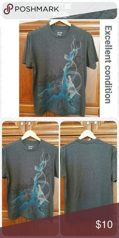 "Abstract design tee, Excellent condition, size MED Short-sleeved heather gray t-shirt  * Apt 9 brand * Size:  Medium (18"" shoulders, 40"" chest) * 50/50 cotton/poly  * Excellent condition  * Non-smoking home of Aurora33180  * Bundle discounts offered! Apt. 9 Tops Tees - Short Sleeve"