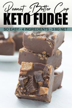 A super easy keto fudge recipe with only 4 ingredients! Rich and creamy, with delicious chocolate and peanut butter flavor. A perfect low carb treat that you can whip up in 15 minutes. Sugar Free Peanut Butter, Chocolate Peanut Butter Fudge, Sugar Free Chocolate, Chocolate Peanuts, Sugar Free Fudge, Chocolate Milkshake, Chocolate Tarts, Low Carb Candy, Keto Candy