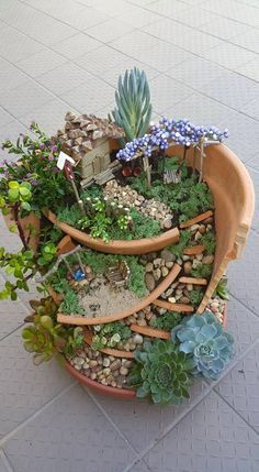 Mini gardens 607493437220508671 - Inspiring Gnome Garden And Fairy Garden D. - Mini gardens 607493437220508671 – Inspiring Gnome Garden And Fairy Garden Design Ideas To Copy Right Now Source by ayayhomedecor Broken Pot Garden, Fairy Garden Pots, Fairy Garden Houses, Diy Garden, Gnome Garden, Garden Crafts, Garden Projects, Balcony Garden, Fairy Gardening