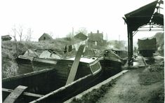 Canals - The Nuneaton and North Warwickshire Local and Family History Web Site Canal Boat, Narrowboat, Coventry, Family History, Boats, Ships, Genealogy, Boat, Ship