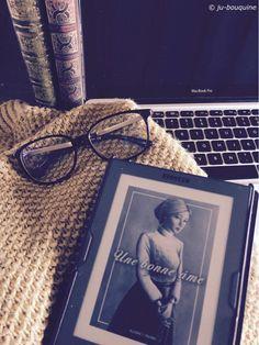 #VendrediLecture de Ju Lie : Actuellement je lis Une bonne âme d'Audrey Perri ! Community Boards, Lus, Your Photos, Polaroid Film, Reading, World, The World, Reading Books, Earth