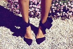 A Pair & A Spare | DIY Inspo: bow Pumps