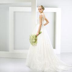 Jesús Peiró  bridal collection winter 2014-2015. Elegant wedding dress