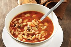 Traditional Greek bean soup recipe (Fasolada) - My Greek Dish - Adrienne Smith Bean Soup Recipes, Rice Recipes, Cooking Recipes, Healthy Recipes, Tsoureki Recipe, Macedonian Food, Greek Dishes, Side Dishes, Greek Cooking
