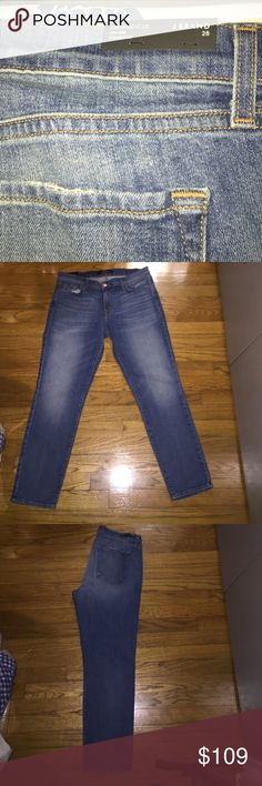 J Brand cropped Ellis low rise starightfit size 28 Cropped low rise straight fit J Brand Jeans Ankle & Cropped