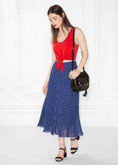 Model front image of Stories pleated skirt in blue Blue Pleated Skirt, Flowy Skirt, Sequins And Stripes, Dresses For Work, Summer Dresses, Who What Wear, Fashion 2017, Everyday Fashion, Spring Summer Fashion