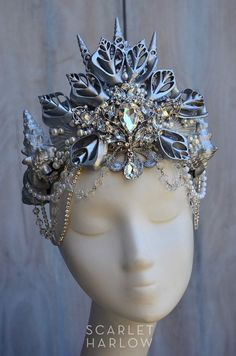 Silver shell mermaid crown is incredibly more beautiful in person and wears easily, elastic band in back. Crown is for an adult. It is absolutely… Seashell Crown, Shell Crowns, Mode Alternative, Fairy Crown, Mermaid Crown, Circlet, Tiaras And Crowns, Crown Jewels, Bling