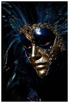 Full face Venetian carnival mask in midnight blue & gold. Gorgeous. Photography by Mordecai83. #Masquerade #Festival #Mardi_gras